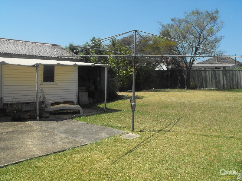 17 Birdsall Avenue, Condell Park NSW 2200