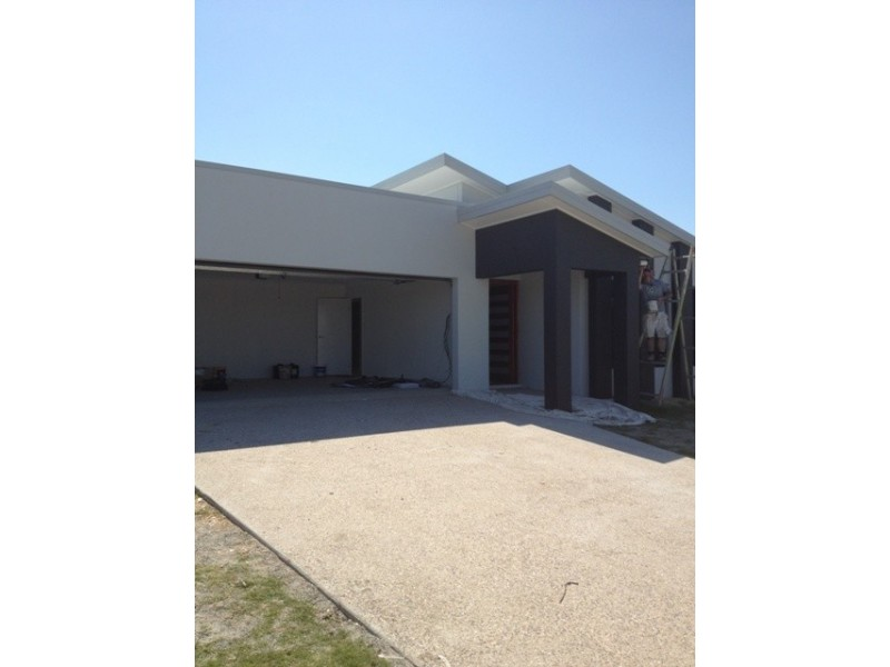 62 Montgomery Street, Rural View QLD 4740