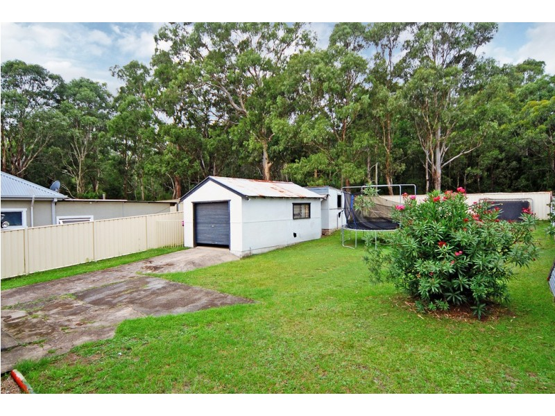 92 Lake Entrance Road, Oak Flats NSW 2529
