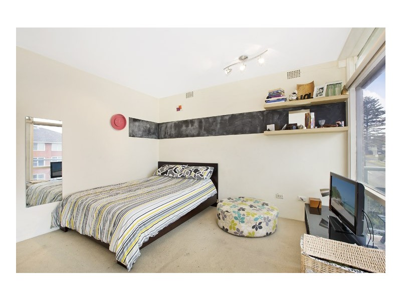 17/2 Monash Parade, Dee Why NSW 2099