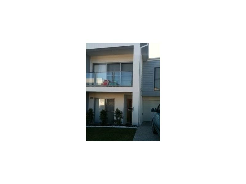 Bayswater Ave, Varsity Lakes QLD 4227