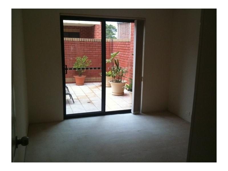 Oatley Ave, Oatley NSW 2223