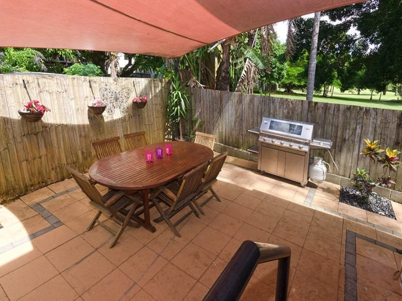 terrigal cres, Southport QLD 4215
