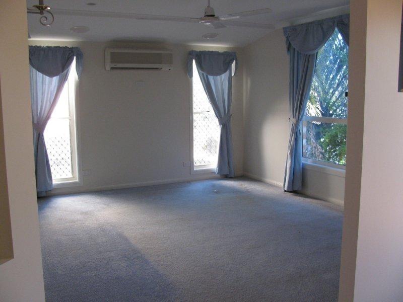 42 Witney Street, Gladstone QLD 4680