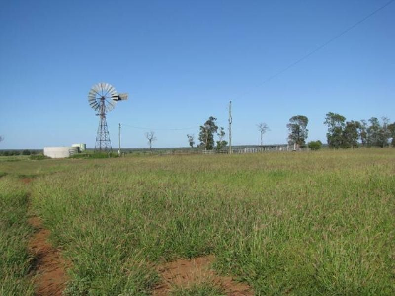 ORIENT, 5372 ACRES QUALITY GRAZING, Miles QLD 4415