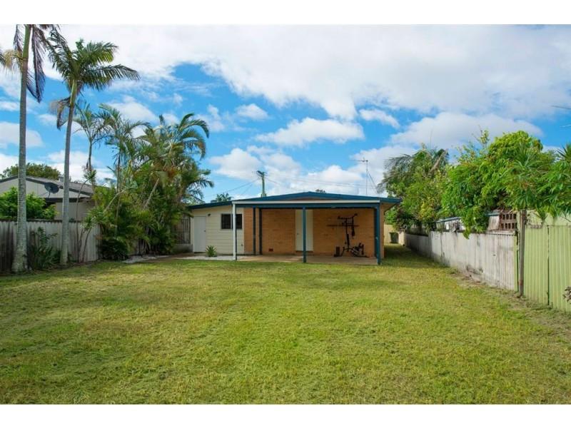 4 Nambur Street, Runaway Bay QLD 4216
