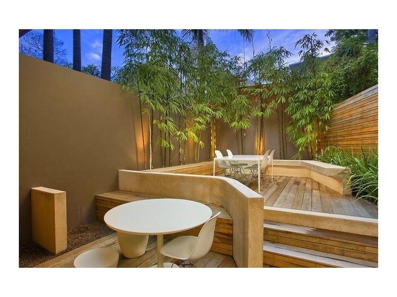courtyard inspired style landscape