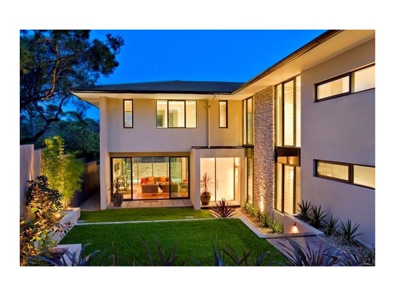 Front yard garden design style homehound for Modern front garden designs