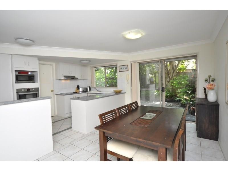27/2 Koala Town Road, Upper Coomera QLD 4209