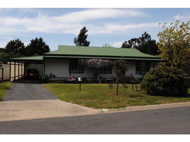 1 Ormond Avenue, Maryborough VIC 3465