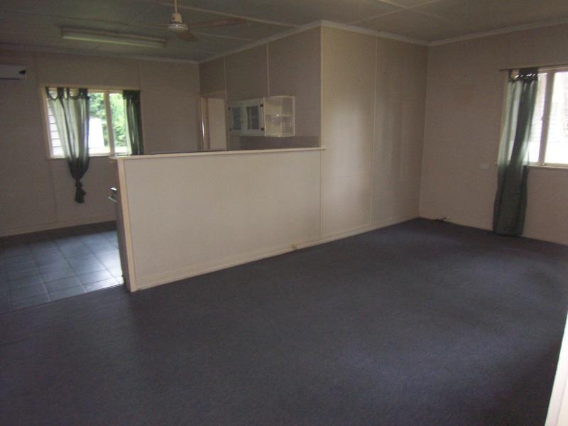 2B Cemetery Road, Ipswich QLD 4305
