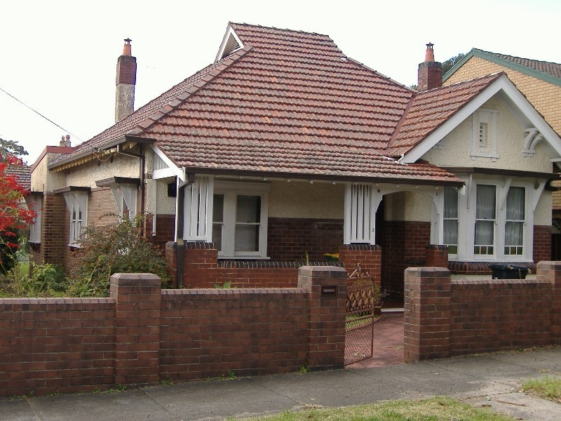 - Federal Ave, Ashfield NSW 2131