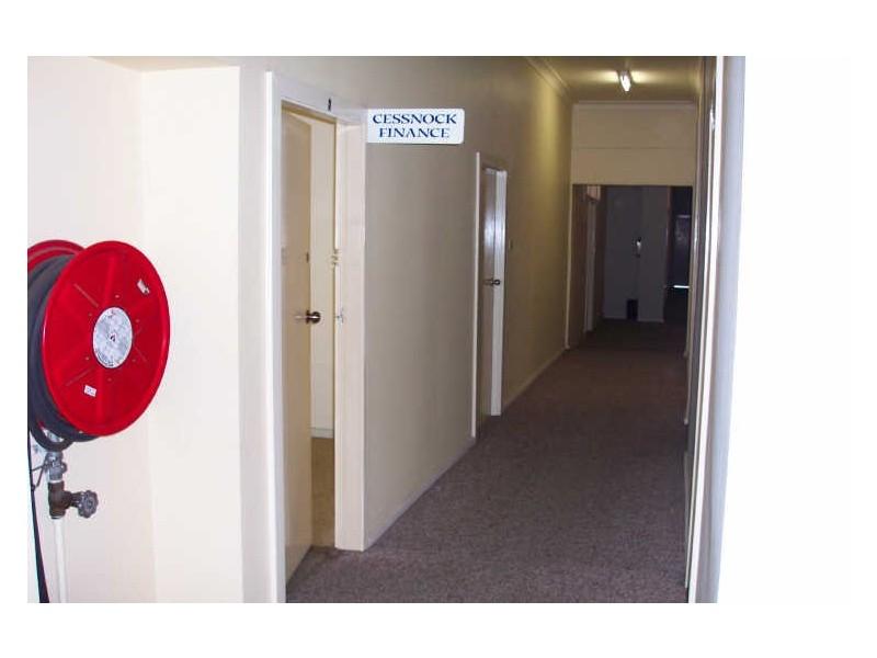 Upper Level/133-137 Vincent Street, Cessnock NSW 2325