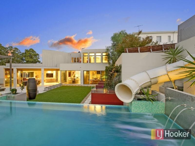 Australia S Ultimate Party Houses
