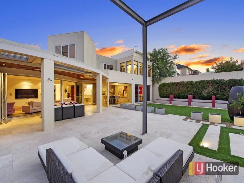 Australias ultimate party houses