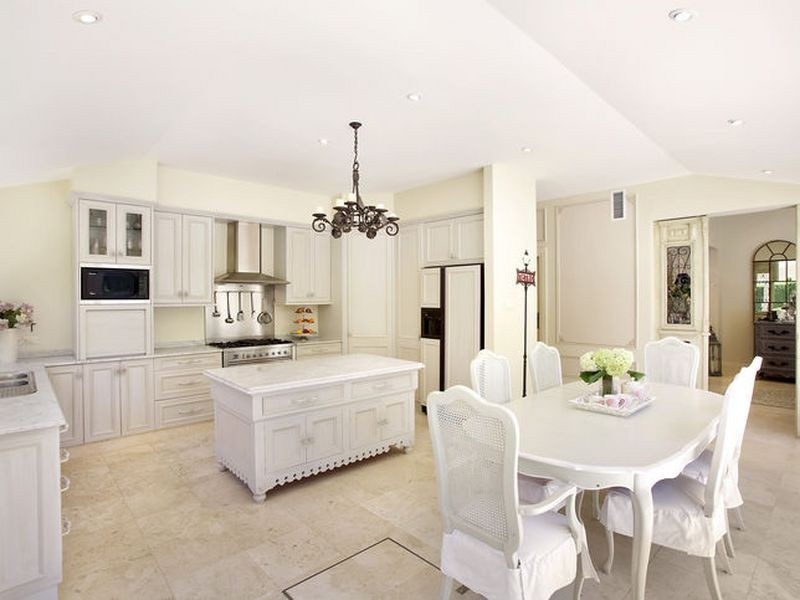 French provincial style kitchen homehound for Provincial style kitchen