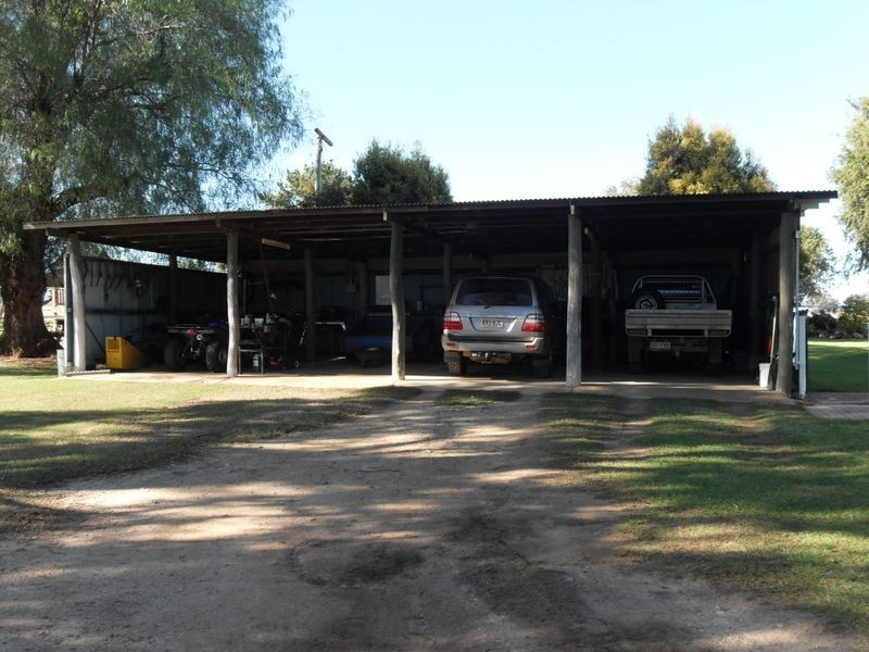 208 Markeys Lane, Yangan QLD 4371