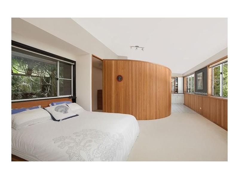 13 Harcourt Place, North Avoca NSW 2260