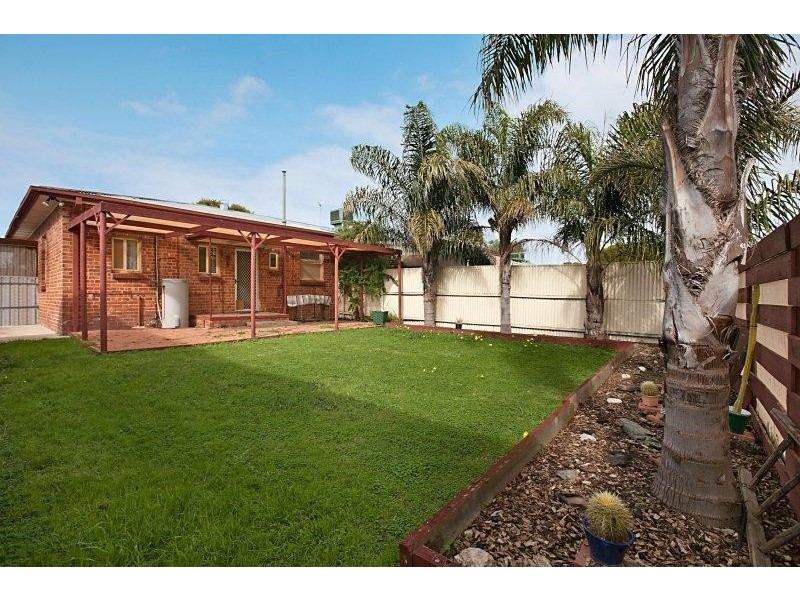 17 Old Sarum Road, Elizabeth North SA 5113