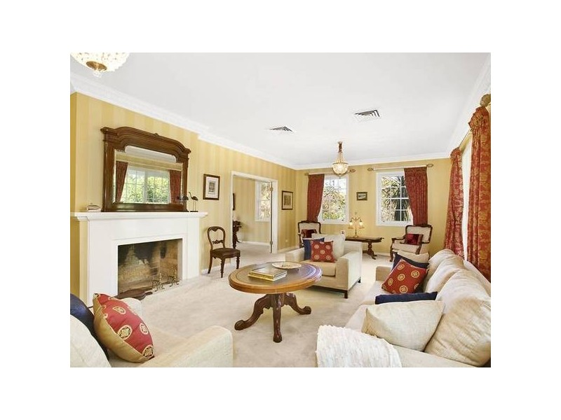 classic style living room