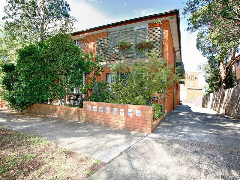 1/10 Henson Street, Marrickville NSW 2204