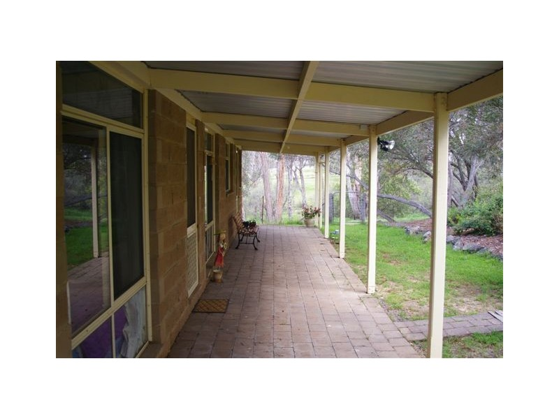 60 Devoncourt Road, Uralla NSW 2358