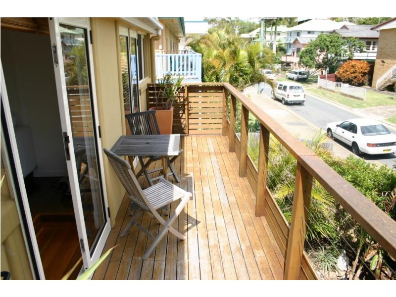 38 Eden Avenue, Rainbow Bay QLD 4225