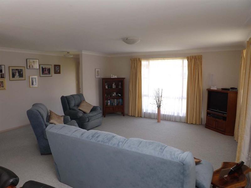 16 Banks Street, Laurieton NSW 2443