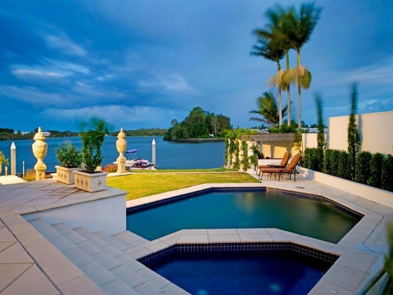 waterfront garden style landscape
