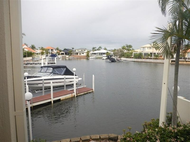 4 Rum Point Place, Runaway Bay QLD 4216