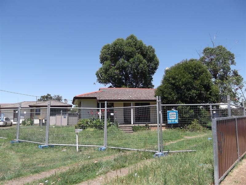 42 Cole Road, Tamworth NSW 2340