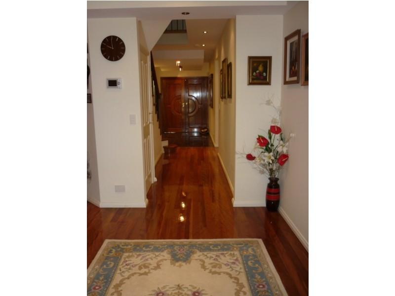 17 Flametree Street, Casula NSW 2170