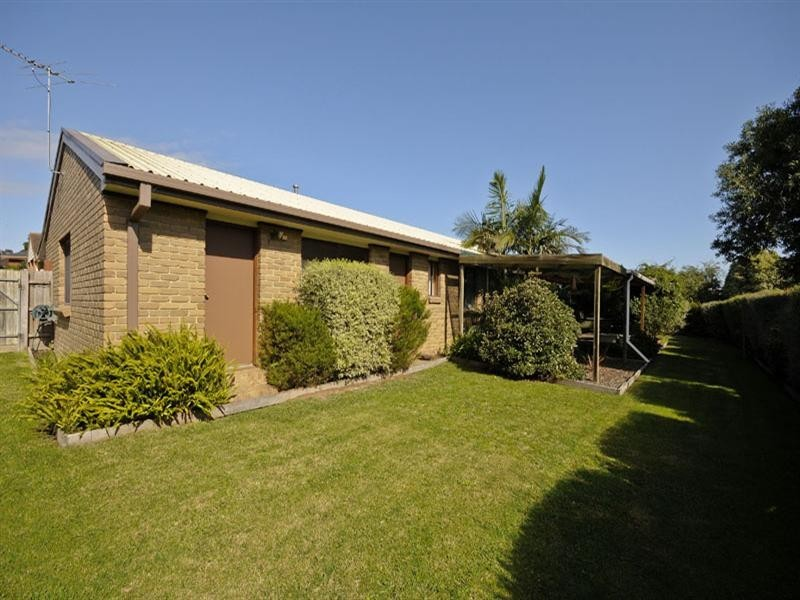 102 Wallace Road, Wantirna South VIC 3152